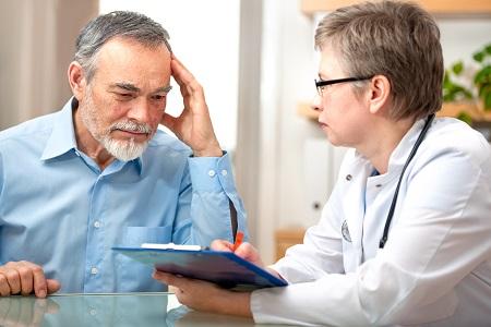 A TIA neurológiai kivizsgálása elengedhetetlen.